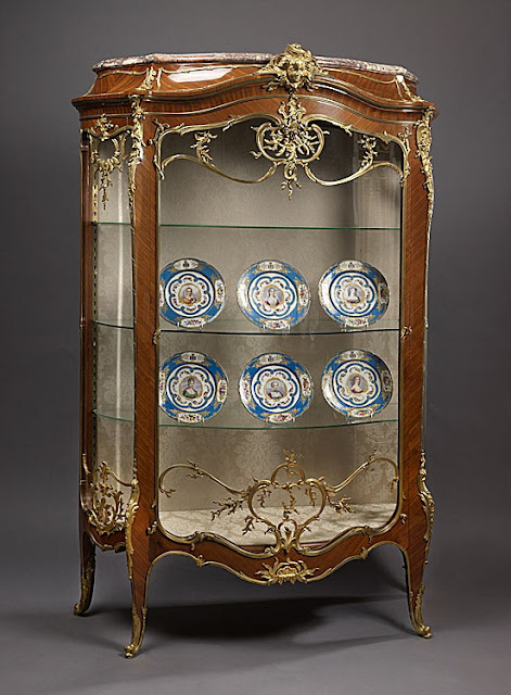 François Linke, Léon Messagé An Important Exhibition Louis XV Style Kingwood and Gilt-Bronze Bombe Vitrine  Circa 1880.
