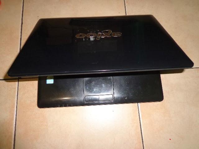 Axioo M720SRS Dual Core 12 inch