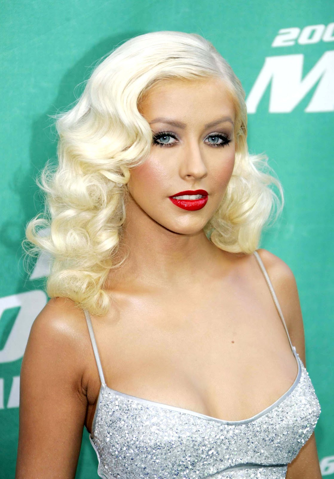 ALL IN FASHION AND BEAUTY: Christina Aguilera fashion from ...