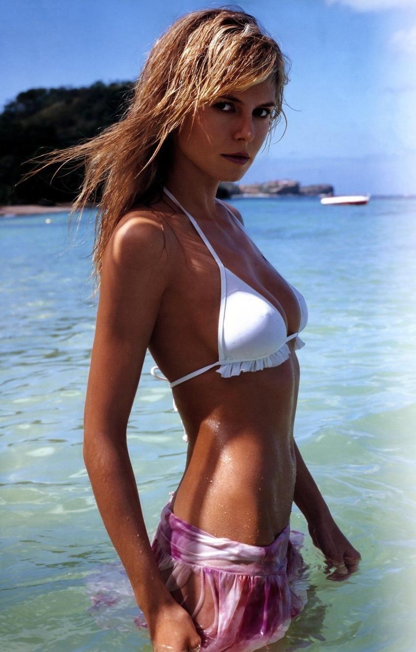 bikini ladies russian