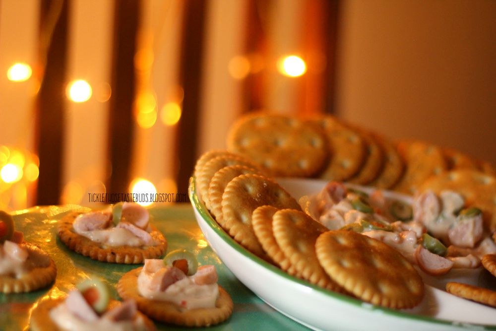 Butter-Puff-Party-Dip-ticklethosetastebuds