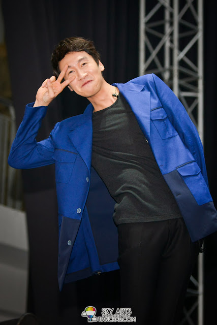 Isn't Kwang Soo adorable with this Aegyo look? He said this was the hardest one to portray Lee Kwang Soo Fan Meeting in Malaysia