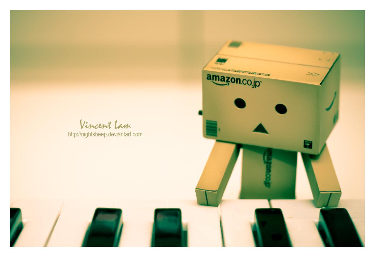 http://1.bp.blogspot.com/-ZgDWjIGN3Hw/TpfpbfQ7e-I/AAAAAAAAAUo/hxuTEWxKKv0/s1600/danbo_playing_piano_by_nightsheep-d31wocs.jpg