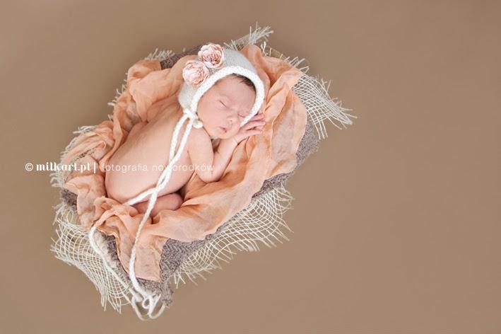 fotografia noworodkowa Poznań, fotograf dziecięcy Poznań, fotografia dziecięca, sesje fotograficzne niemowląt, sesja zdjęciowa noworodka, zdjęcia w ciąży, sesja brzuszkowa, zdjęcia dla niemowlaka,