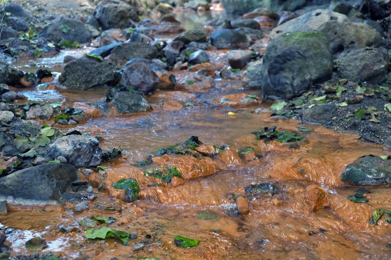 Cascata della Diosilla, il torrente con l'acqua rossa