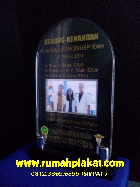 Tempat Pembuatan Plakat Wisuda Surabaya Malang, Harga Murah, 0856.4578.4363 (IM3)