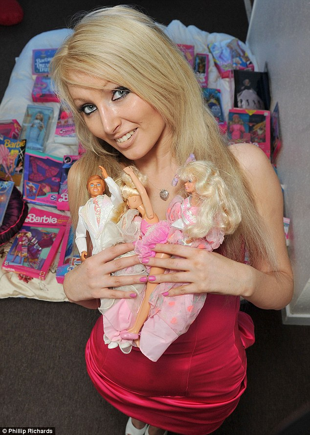 Unbelievable Real Girls Who Look Like Dolls