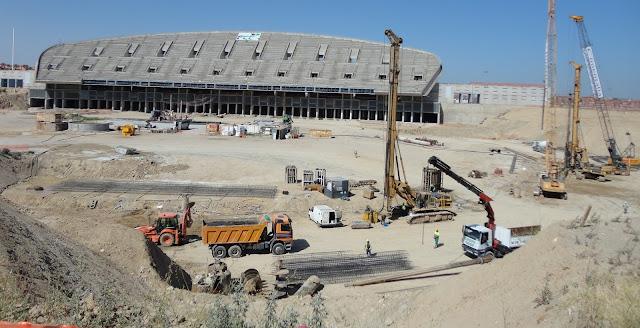 http://1.bp.blogspot.com/-ZhOyOEZkBnk/UCPApVPXgNI/AAAAAAAACvY/I_MIkukMMEk/s640/nuevo+estadio+atletico+madrid+5.jpg