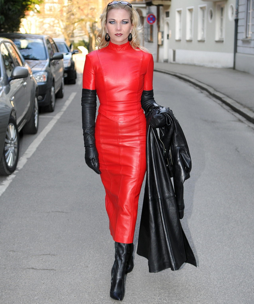Heike red leather