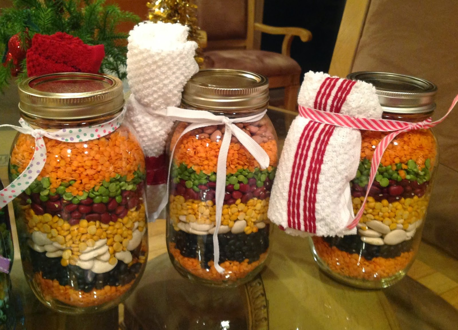 Homemade Christmas Gifts: Soup In A Jar- Easy Homemade Gift Ideas