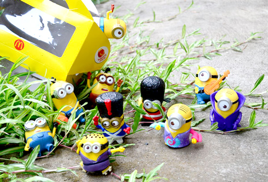 Minions Invaded Woman Elan Vital
