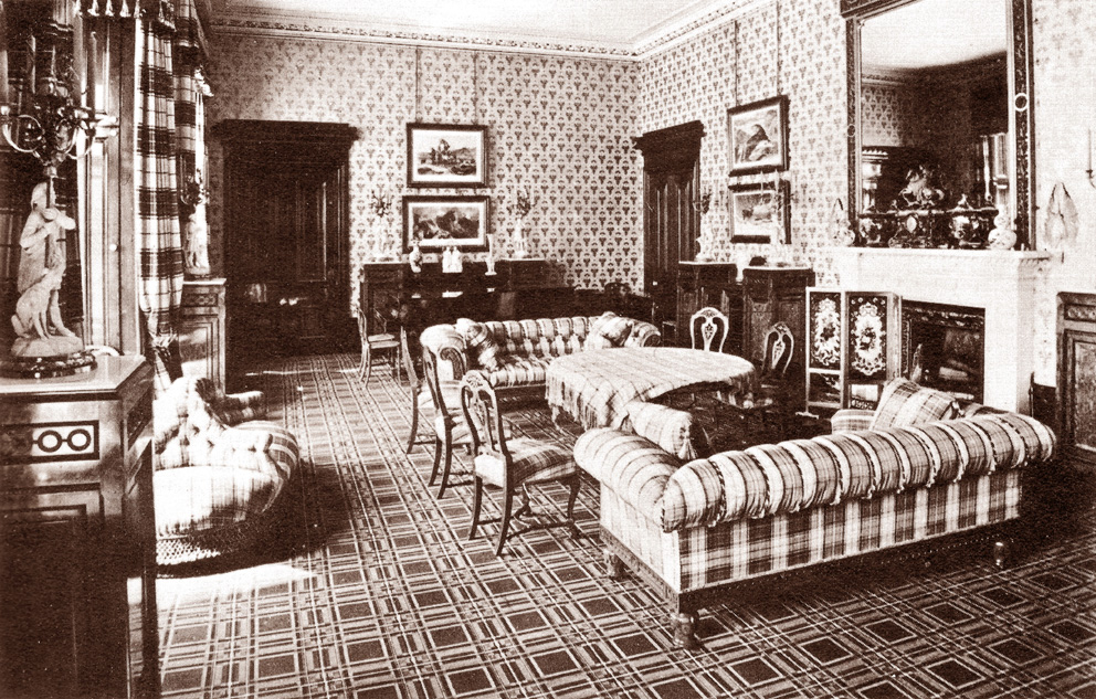 The lothians the royal residences of queen victoria for Queen victoria style furniture