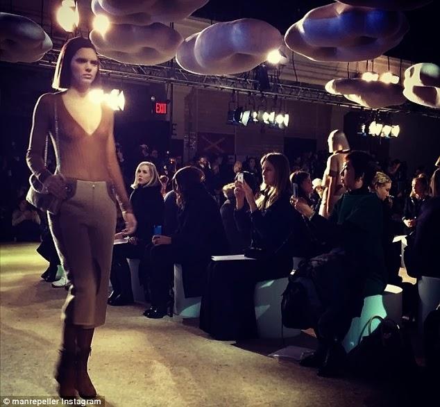 Kendall Jenner, Kendall Jenner boobs, Kendall Jenner breast, Kendall Jenner, Kendall Jenner skank, Khloe Kardashian, Kim Kardashian, Kim Kardashian fat, Kim Kardashian belly, Kim Kardashian beer belly