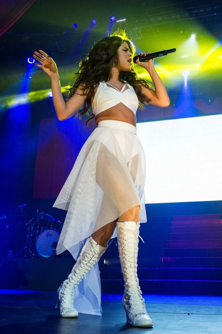 Selena Gomez Performing at Borderfest 2014