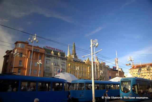 Загребские трамваи весной