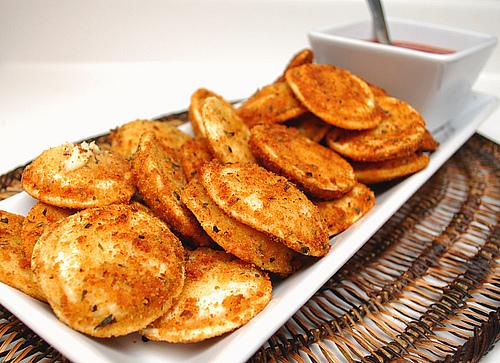 YUMMY RECIPEZZ: Toasted Ravioli with Marinara Sauce