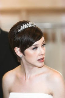 wedding hairstyles short hair veil
