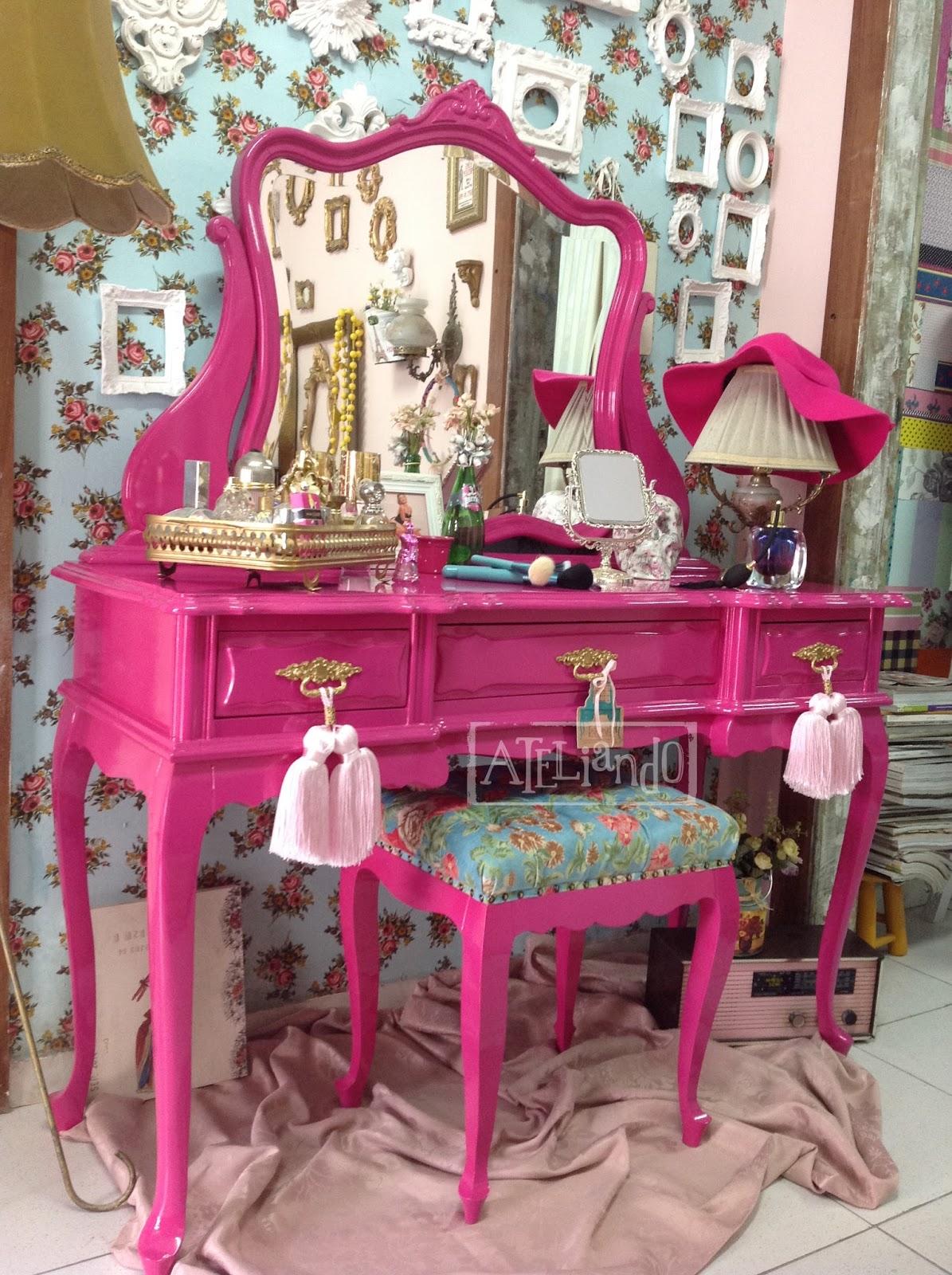Ateliando Customização de móveis antigos Penteadeira  ~ Quarto Rosa Fucsia