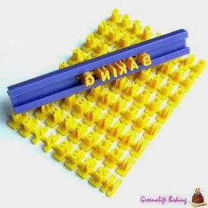 أدوات تزيين وتشكيل عجينة السكر