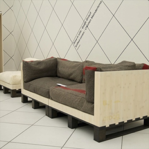 Modern and Comfortable White pallet couch - DIY Pallet Couch - Attractive Addition For Living Room - Pallet