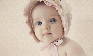 Estos ojos azules de un ángel