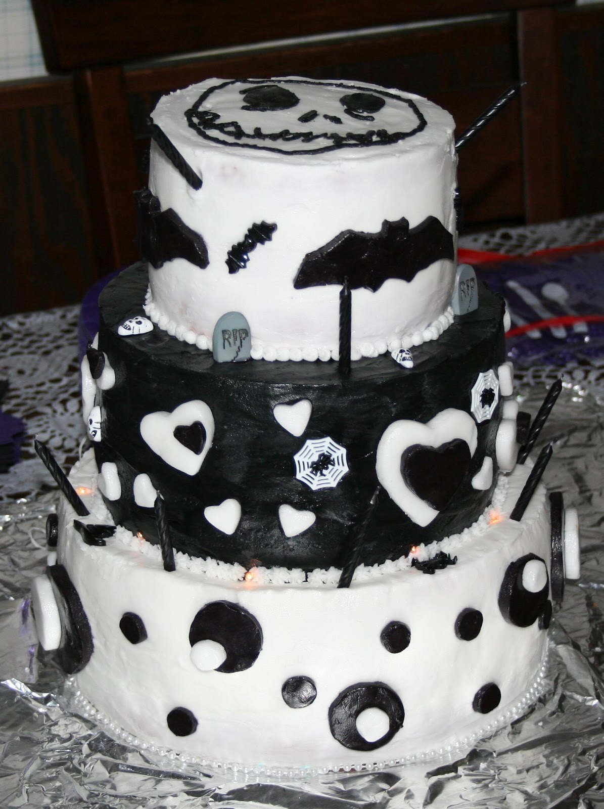 make a nightmare before christmas cake for halloween