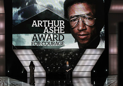 Kiefer sutherland presents the arthur ashe award for courage at jpg