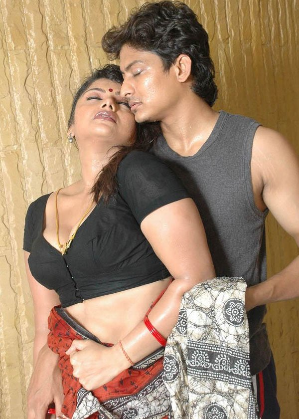 http://1.bp.blogspot.com/-ZkSO7PTyKYE/UAL0wDxNg0I/AAAAAAAALHc/pXhsl4HYFwk/s1600/Mada+Mrugam+Telugu+Hot+Movie+Photos+stills.jpg