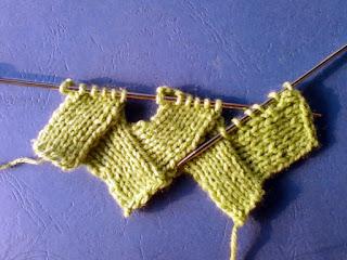 Knit Up Stitches Along Edge : Entrelac Knitting Pattern: Zigzag Stockinette stitch - Knitting Unlimited