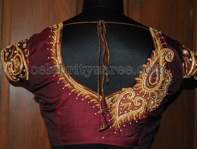 Latest maggam work blouse designs Magam work blouses Shirt blouses Blouse designs work Peacock blouse designs Magam work designs Hand work blouse design Aari work blouse Bridal Blouse Designs Indian outfits Necklaces Down Jackets Hand Embroidery Ornaments Modest Fashion Pearls Hands Feminine Fashion Oriental Style.