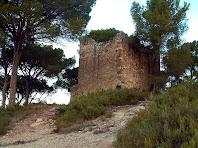 Els murs del sud-est i del sud-oest de la Torre del Clos