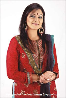 Bangladeshi Model  Singer Somnur Monir Konal Latest Picture