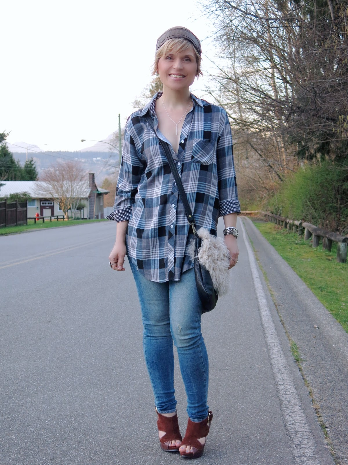 No snow zone plaid shirt skinny jeans and statement bag for Skinny jeans with shirt