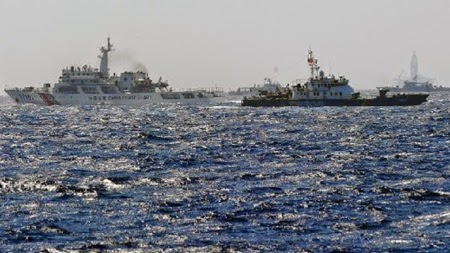 Chinese vessels continue to block Vietnamese ships near oil rig site