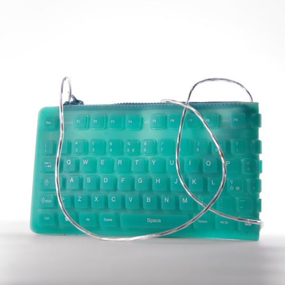 Borse Fatte A Mano Con Materiale Riciclato : La borsa del riciclo novembre