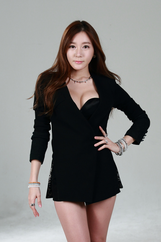 xxx nude girls: Han Ji Eun for Spigen SGP