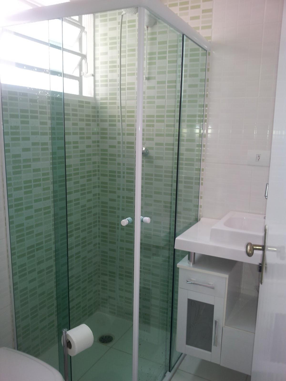 Imagens de #465B4D box é de vidro verde o revestimento na parte de dentro é verde e  1200x1600 px 3484 Blindex Para Banheiro Rj