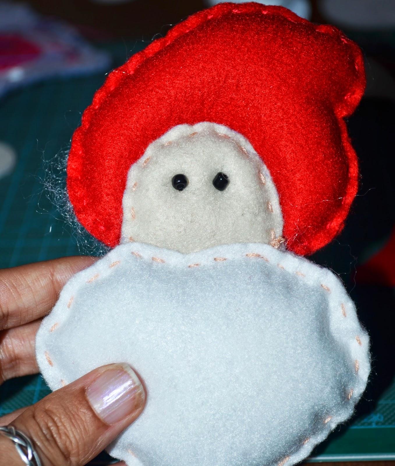 Papai Noel em Feltro ou é um cogumelo?
