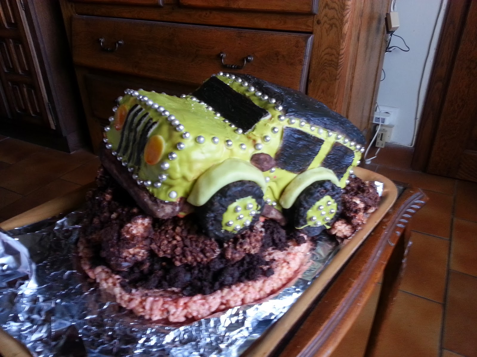 Jeep Birthday Cake Images : Quoi de 9 chez Bel: Geeky Jeep rainbow birthday cake!