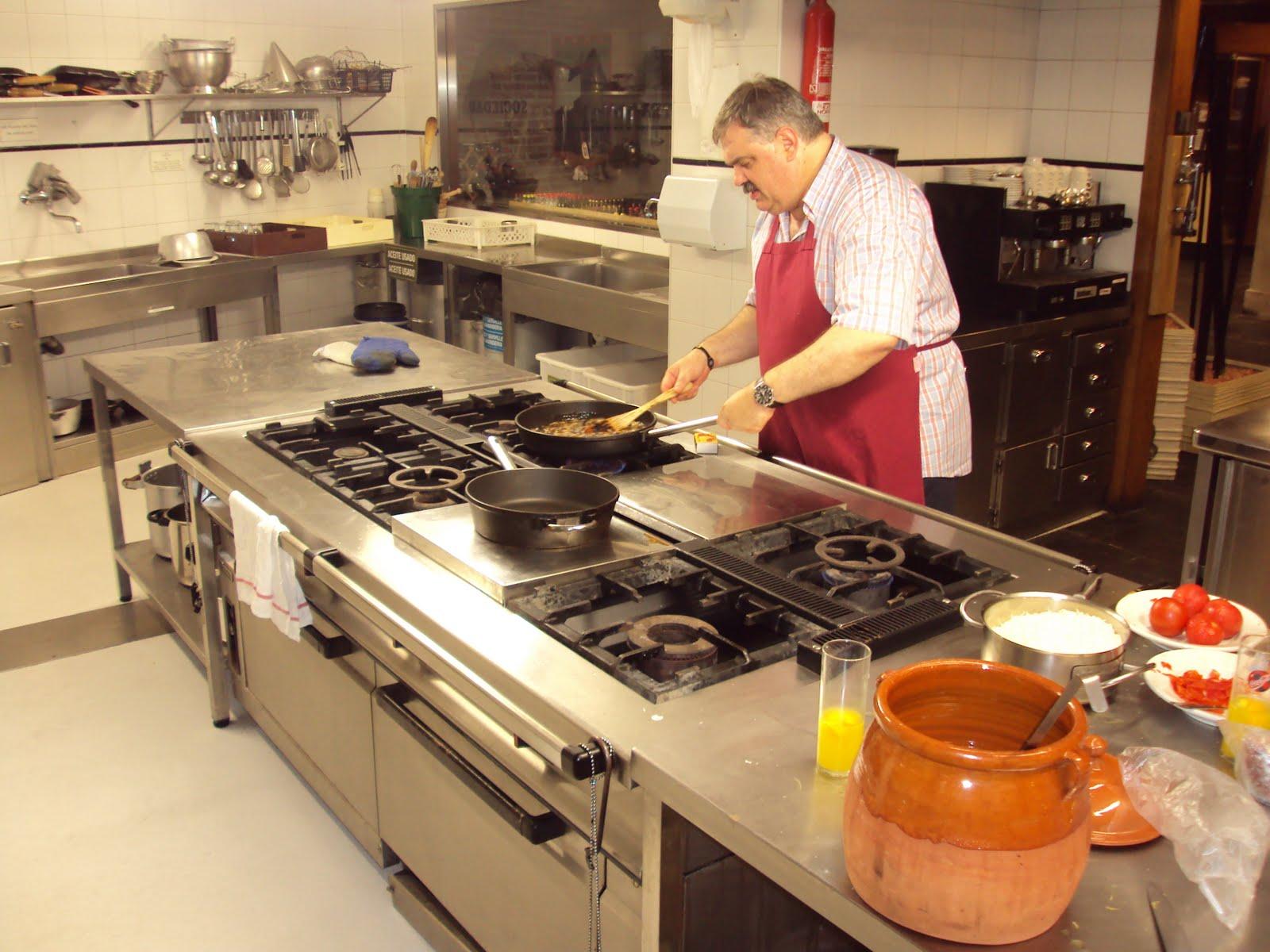 La Cocina de Los Viernes: Sociedad Gastronomica. O algo asi como ...