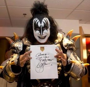 Gene Simmons Saluda a Kiss Army Colombia