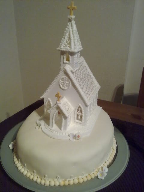 Angeless delicatessen capilla de comunion - Como preparar una comunion en casa ...