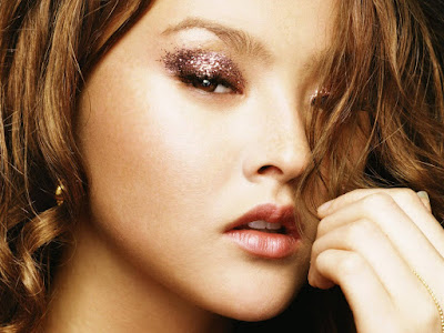 American Model and Actress Devon Aoki Wallpaper