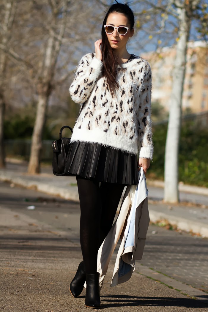 FLUFFY LEOPARD SWEATERAND LEATHER PLEATED SKIRT