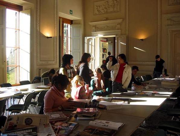 Fashion Merchandising best english programs undergraduate