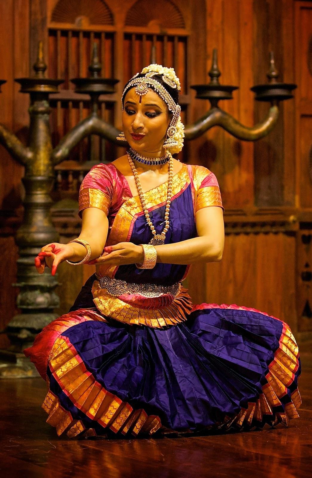 Bharatanatyam Costume Color Combinations Bharatanatyam Costume Color ...