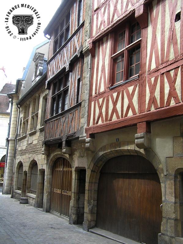 La france medievale dijon 21 rue porte aux lions for Dijon architecture