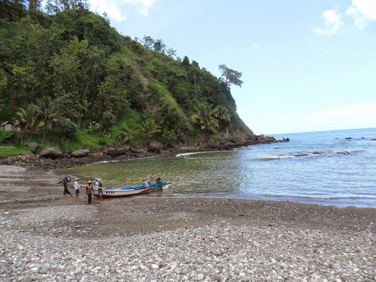 Pantai Pedalen Ayah Kebumen Destinasi Wisata Kebumen