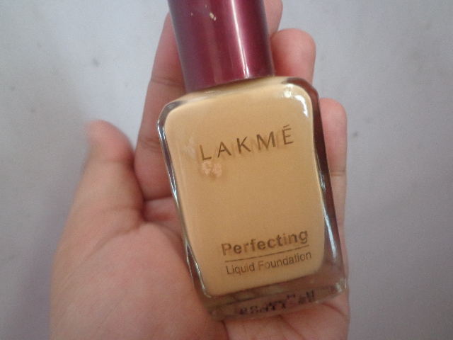 how to use lakme foundation cream