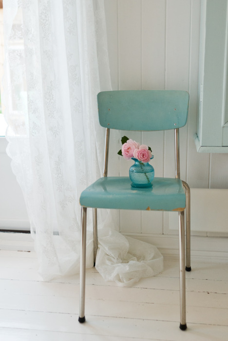 Shabby Chic Sofas And Chairs : furniture home shabby chic vintage sublime shabby chic vintage chair ...